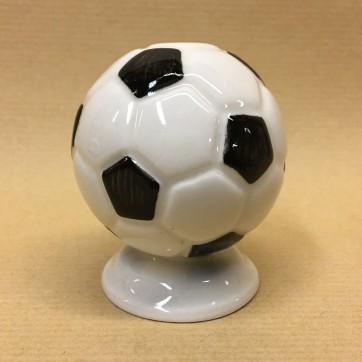 statuehtka-farforovaya-futbolnyj-myach