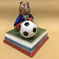 medved-s-futbolnym-myachom (4)