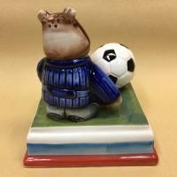medved-s-futbolnym-myachom (7)