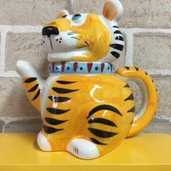 chajnik-farforovyj-tigr